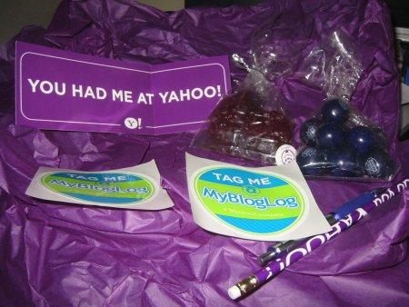 mybloglog yahoo schwag bag